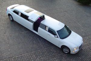 limousine-in-warsaw